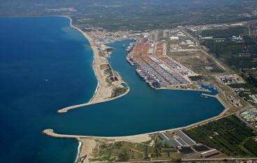 Incidente al Porto di Gioia Tauro: operaio muore schiacciato