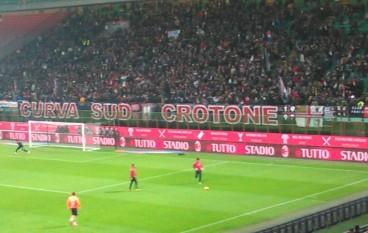 Continua il calvario del Crotone calcio, battuto (0 – 2) dalla  Roma
