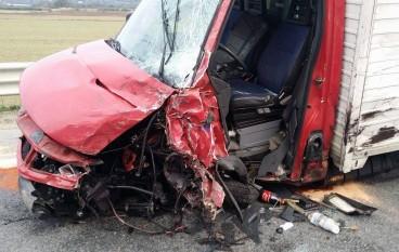 Villapiana, incidente stradale sulla SS 106: dieci feriti