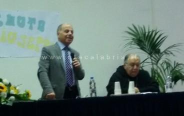 Melito Porto Salvo, il Vescovo incontra gli studenti: FOTO