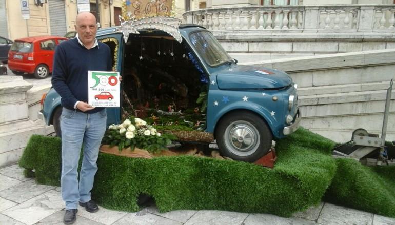 Reggio Calabria, allestito presepe su Fiat 500