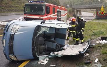 Catanzaro, incidente nei pressi della Galleria Sansinato