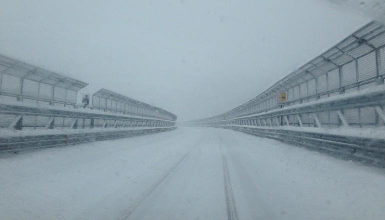 Auto bloccate su A3 per neve, Anas commissaria gestione