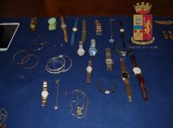 """Reggio Calabria, cedono refurtiva a """"compro oro"""": arrestati"""