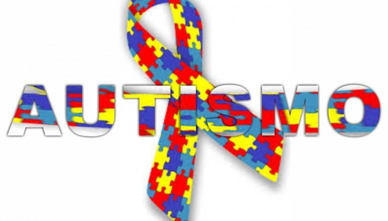 Consapevolezza dell'autismo, Tortora (CS) si illumina di blu