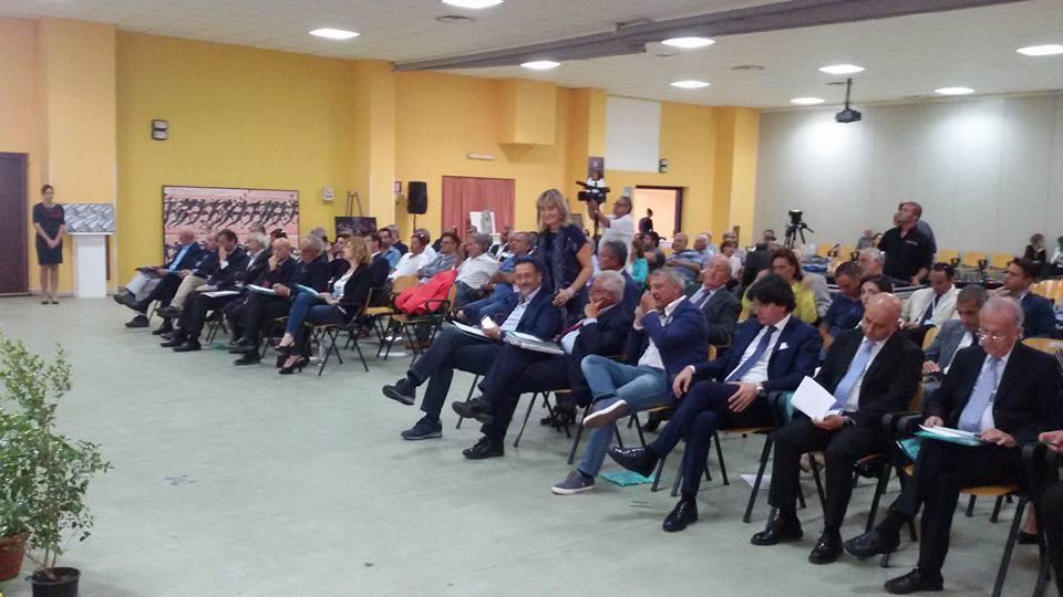 Siderno convegno al polifunzionale for Parlamentari calabresi