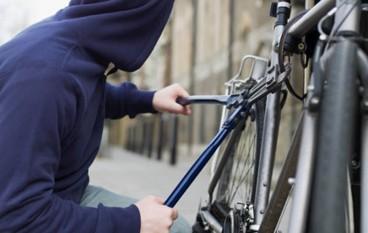 Reggio Calabria, tenta di rubare 3 bici: arrestato