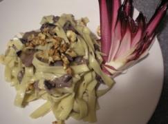 Tagliatelle gorgonzola e radicchio