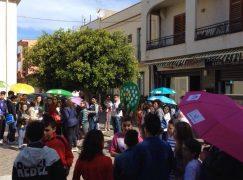 """A Lazzaro svolto il """"Flash Book Mob"""", protagonisti i ragazzi"""