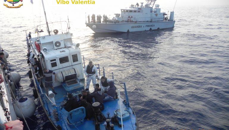 Reggio Calabria, arrivata nave con 243 migranti