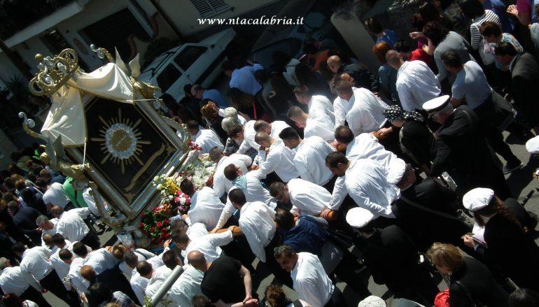 Processione Maria SS di Porto Salvo, le foto