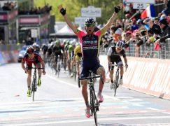 Ulissi porta a casa Tappa 4 del Giro d'Italia