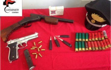 Cosenza, detiene armi clandestine: arrestato