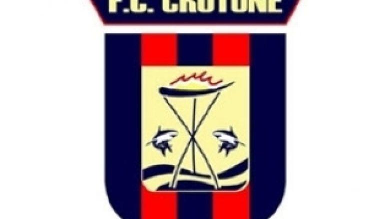 Crotone, Vrenna dona maglia al Papà