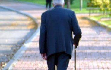Cosenza, strappa la catenina d'oro ad anziano: arrestata
