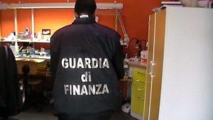 guardia finanza falso dentista