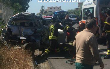 Bocale, grave incidente sulla SS 106 (FOTO)