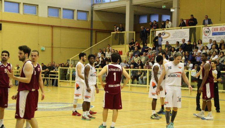 Basket: Vis a caccia della prima vittoria play off