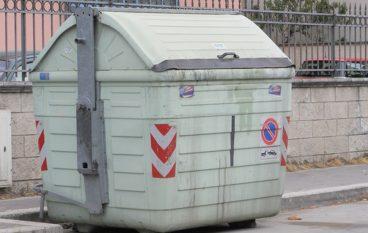 Melito, ordinanza su corretto conferimento dei rifiuti