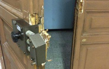 Cosenza, rubano materiale informatico in 2 scuole: denunciati