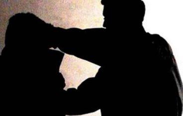 Giovane ubriaco aggredisce 27enne e militari: arrestato