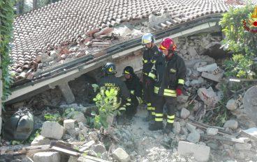 Sisma Centro Italia, la CMR dei Vigili del Fuoco a lavoro