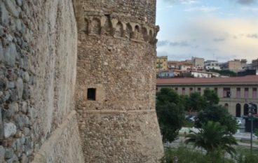 """Reggio Calabria si colora d' Europa con """"M'illumino d'Erasmus"""""""