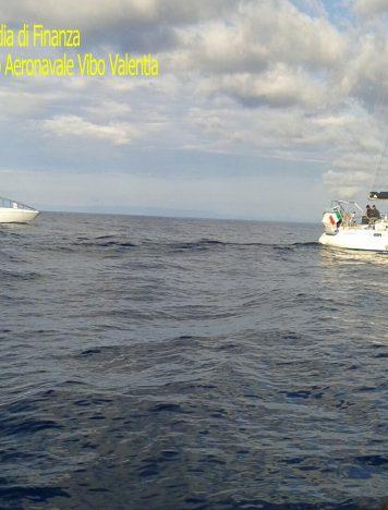 Ritrovati migranti sulla SS 106, arrestati due scafisti