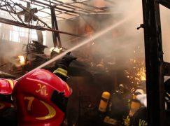 Gioia Tauro, incendio distrugge capannone agricolo