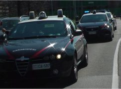Melicucco, lanciava sassi contro auto in sosta: arrestato