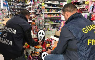 Cosenza, sequestrati 3 milioni di articoli per la festa di Halloween