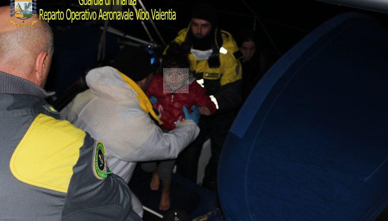 Fermato veliero con a bordo 70 migranti irregolari