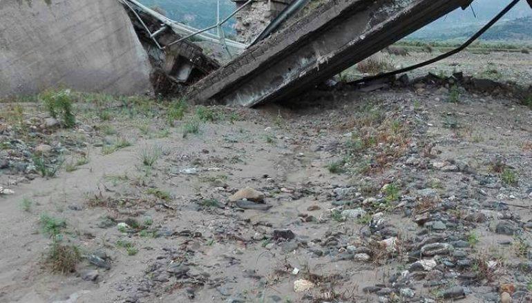 Crolla ponte a Bruzzano Zeffirio