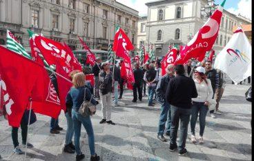 Catanzaro, grande partecipazione allo sciopero di Poste Italiane