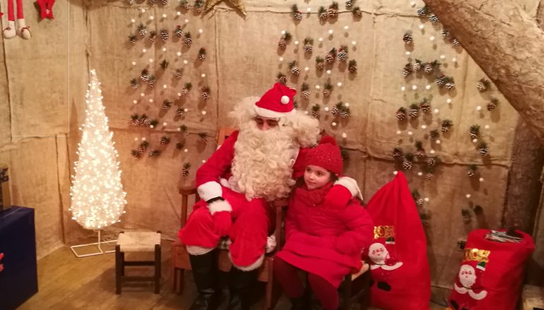 Befana E Babbo Natale.A Camigliatello Silano La Casa Di Babbo Natale E Della
