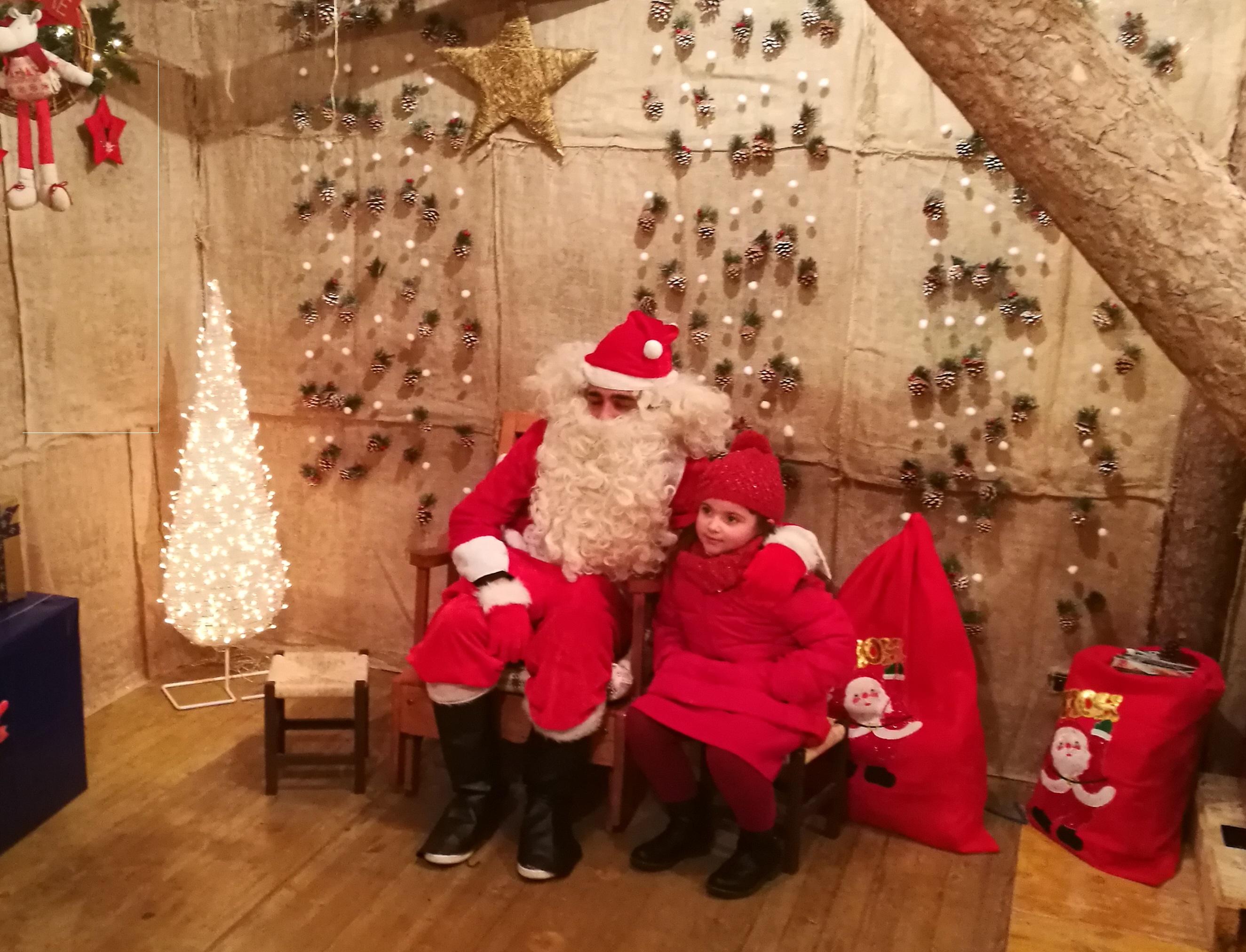 Befana E Babbo Natale.A Camigliatello Silano La Casa Di Babbo Natale E Della Befana