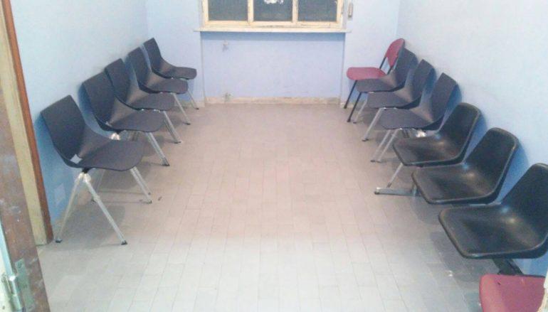 Melito, riecco le sedie nella sala d'attesa di Radiologia