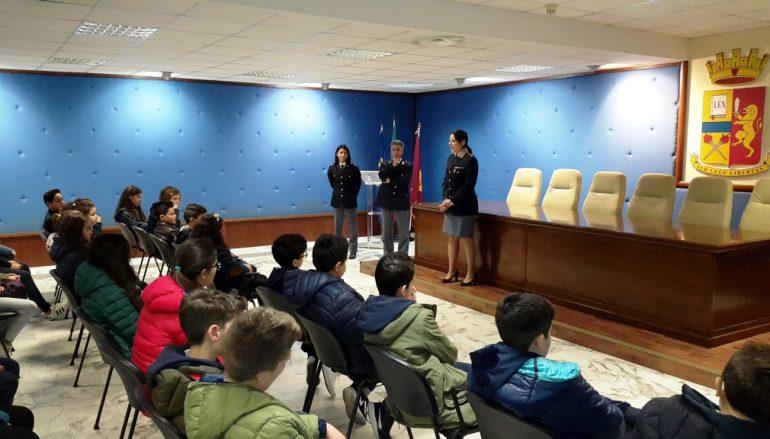 """Reggio, studenti dell'I.C. """"Carducci – V. Da Feltre"""" in visita in Questura"""