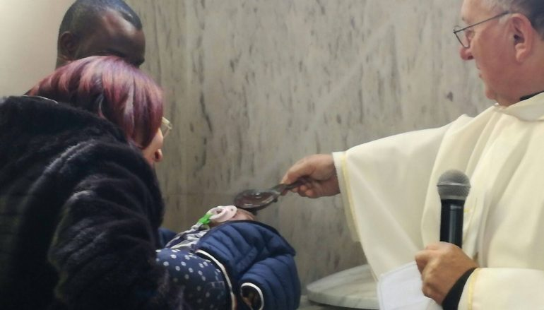 Gioiosa Jonica, il battesimo della piccola nigeriana ospite di ReCoSol
