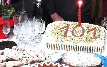 A Briatico festeggiati i 101 anni di Giuseppe Melidoni