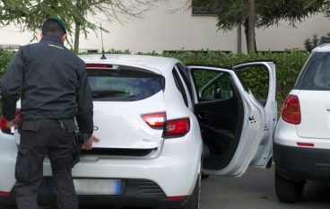 Cosenza, sequestrati 14 autoveicoli