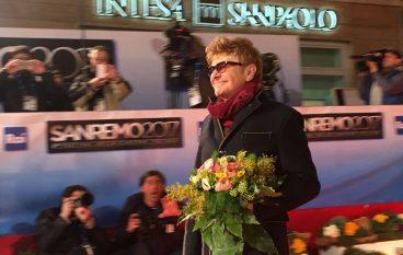Sanremo 2017, le foto dei big sul red carpet