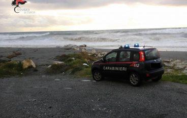 Falerna (CZ), donna tenta il suicidio gettandosi in mare