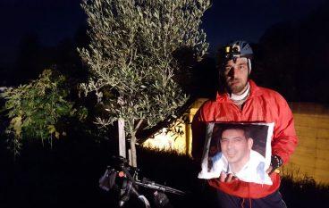 Andrea, in bici, percorrerà tutta la SS 106: ieri tappa a Melito Porto Salvo