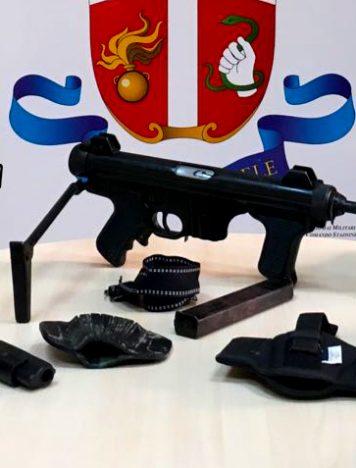 Gioia Tauro, rinvenute armi da guerra e comuni da sparo clandestine