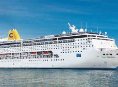 Costa Neo Riviera al porto di Reggio Calabria