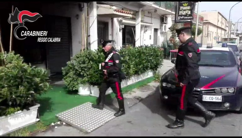 Incendiato bar a Lazzaro, arrestato responsabile