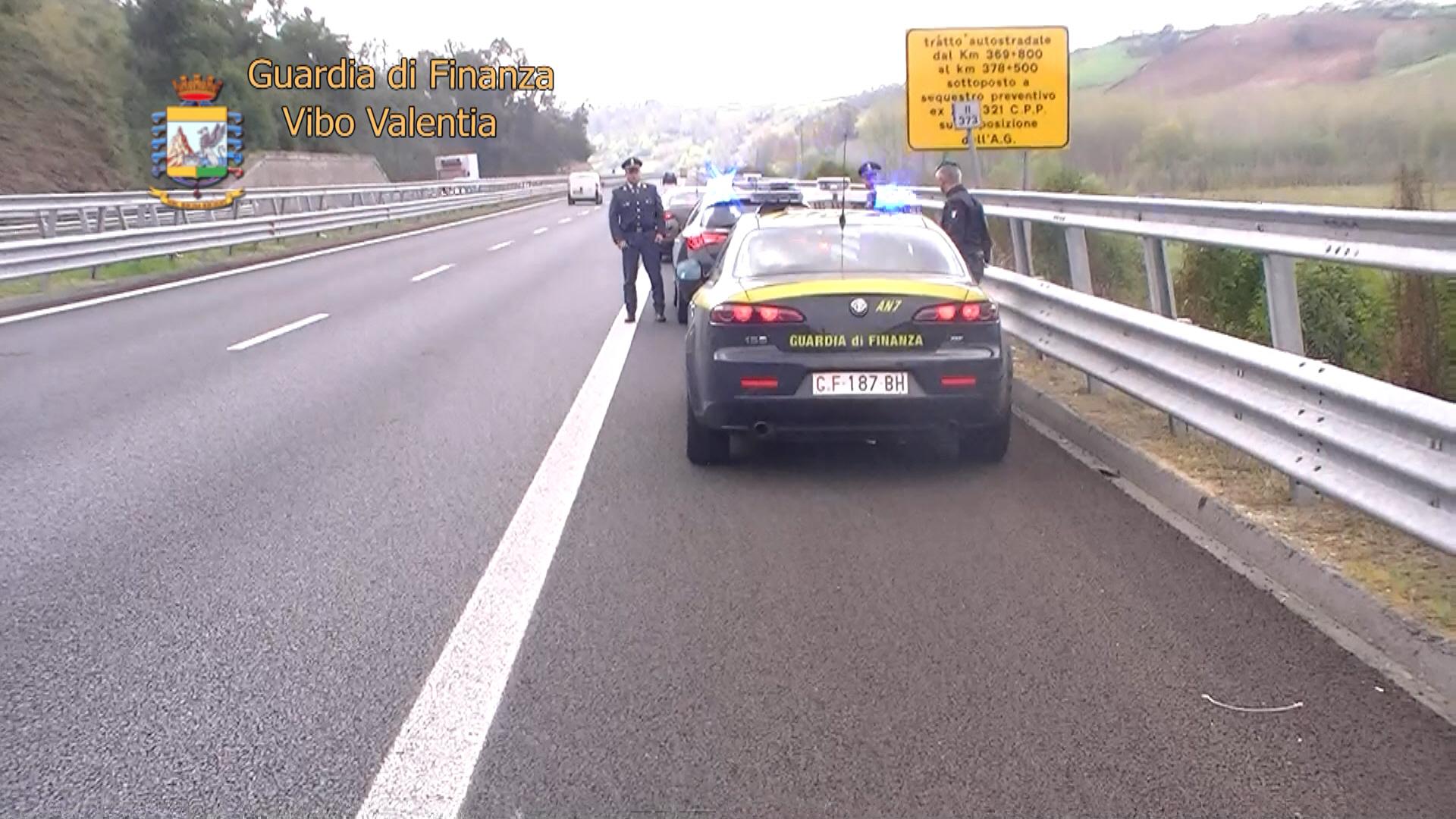 Frode nei lavori della Salerno-Reggio, 9 arresti