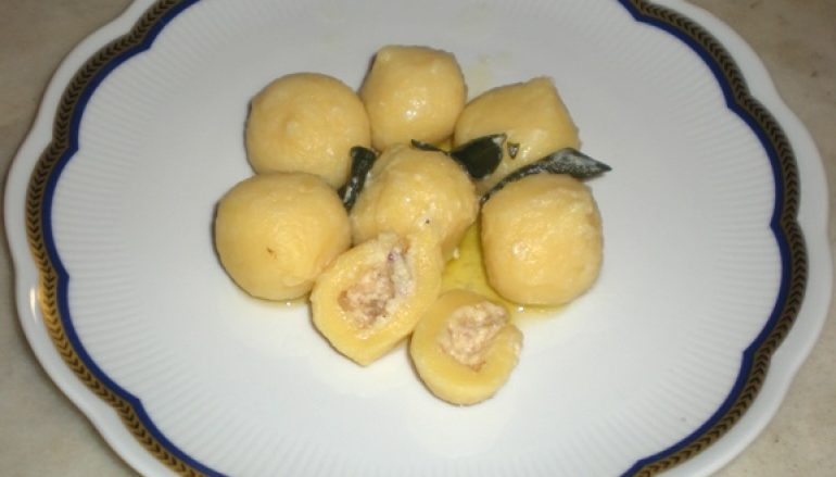 Gnocchi di patate ripieni di funghi porcini