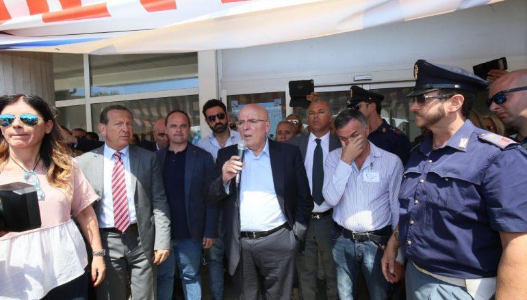 Calabria, Oliverio ribadisce la volontà di rilanciare l'aeroporto di Crotone